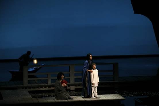 """ליל השימורים – סוף המערכה השנייה.  בטרפליי, דולורה, סוזוקי. (צילום: יח""""צ)"""