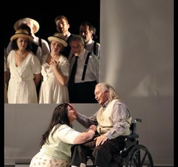 לואיזה, מילר ומקהלת הכפריים - מערכה הראשונה, סצנה ראשונה (צילום: יוסי צבקר)